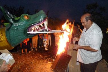Barbastro Turismo | Hogueras de San Ramón y el Dragón Belaín