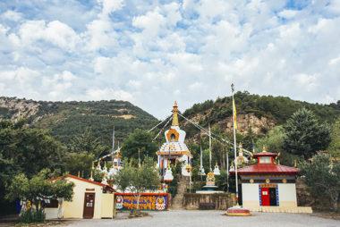 Barbastro Turismo   Templo Budista de Panillo